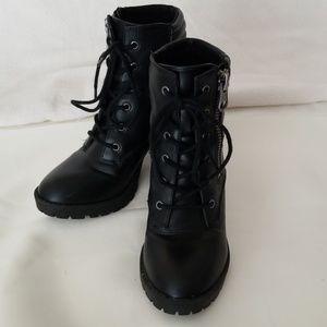 Steve Madden NYDIAA combat boots sz. 6.5